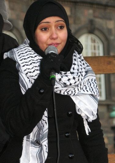Repræsentant for PalUng taler foran Christiansborg Lad Gaza Leve 17. januar 2009