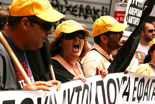 Grækerne fortsætter protesterne mod EU og IMF