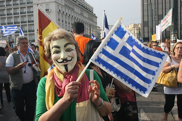 Revolte: Europæiske unge følger det spanske eksempel -  Protest i Athen mod nye EU-dikterede nedskæringer 5.6.2011