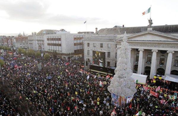 100.000 demonstrerede mod EU, IMF og den irske regering i Dublin 27. november