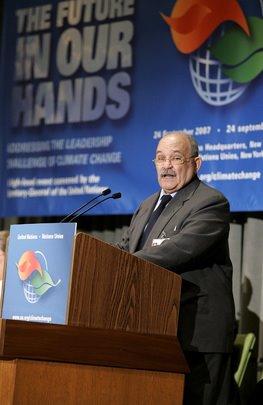 Sandinisten Miguel d'Escoto er nuværende præsident (formand) for FNs generalforsamling Formændene vælges for et år ad gangen