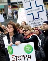 Svenske sygeplejersker demonstrerer i Stockholm