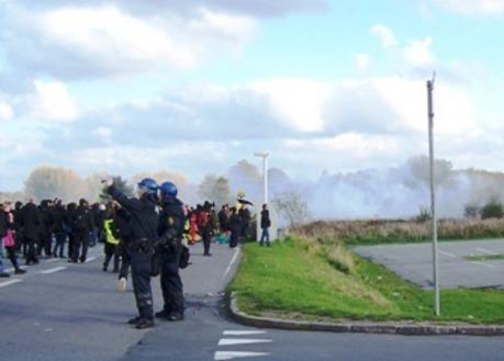 Tåregas over Sandholm