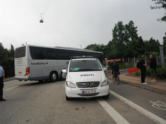 CSC: Skruebrækkerbus med politieskorte