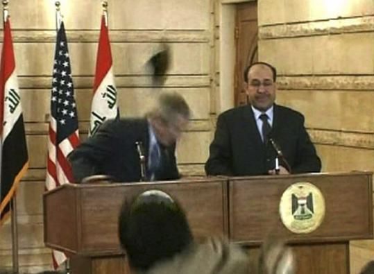 Sko mod Bush Bagdad december 2008