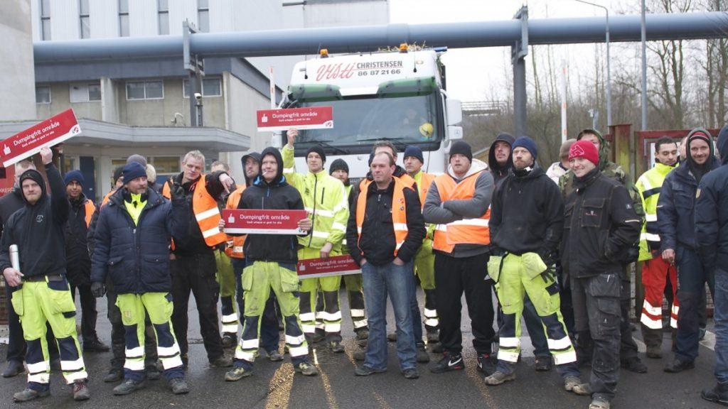 Her ses stilladsarbejdere udenfor Studstrupværket ved Aarhus i en blokade mod ESG februar 2015. FOTO: PN - Arbejderen