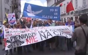 demonstration NATO 2016