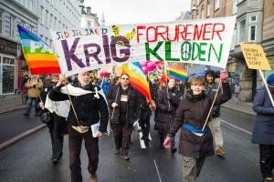 Krig forurener kloden - fredssektion med TID TIL FRED